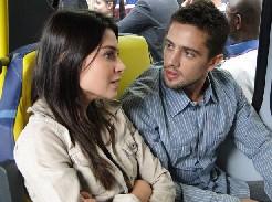 Amanda encontra Jorgito no ônibus