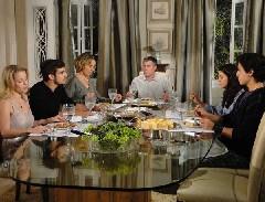 Camila janta na casa de Edgar