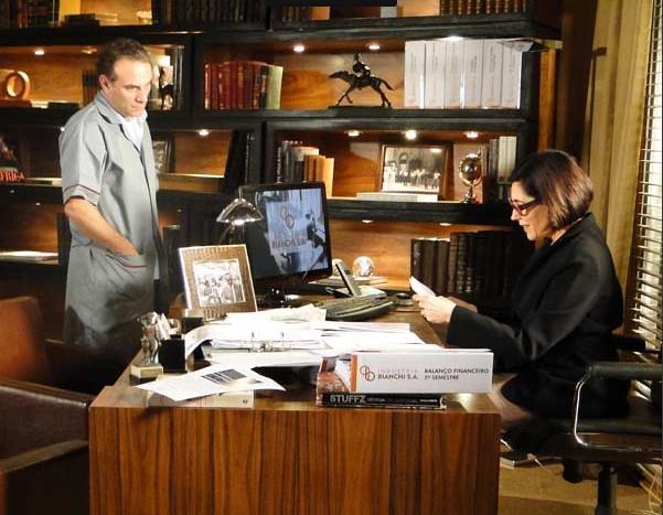Gino e Rebeca no escritório e ele pede demissão